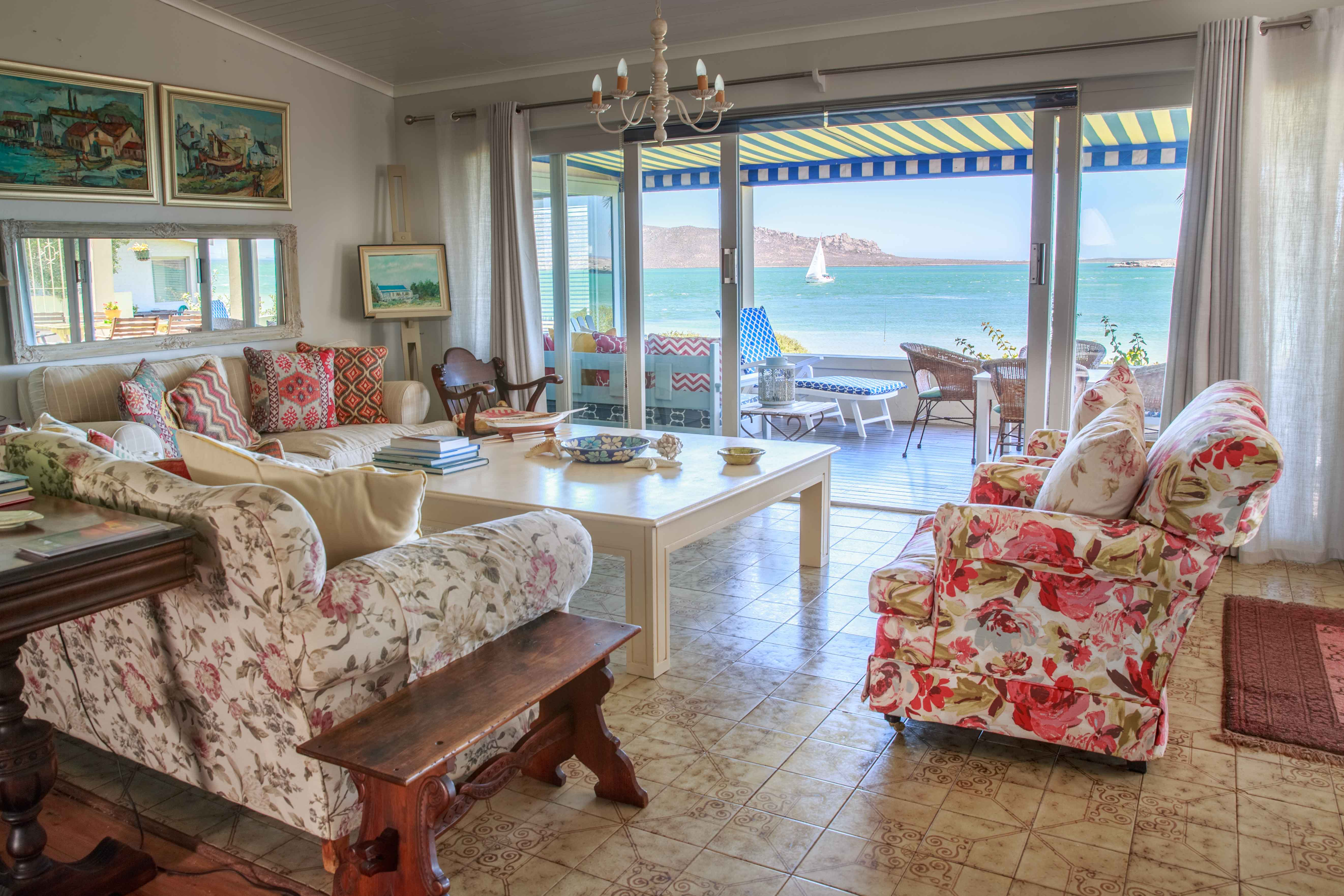 Marjerique 5BR House with beautiful view