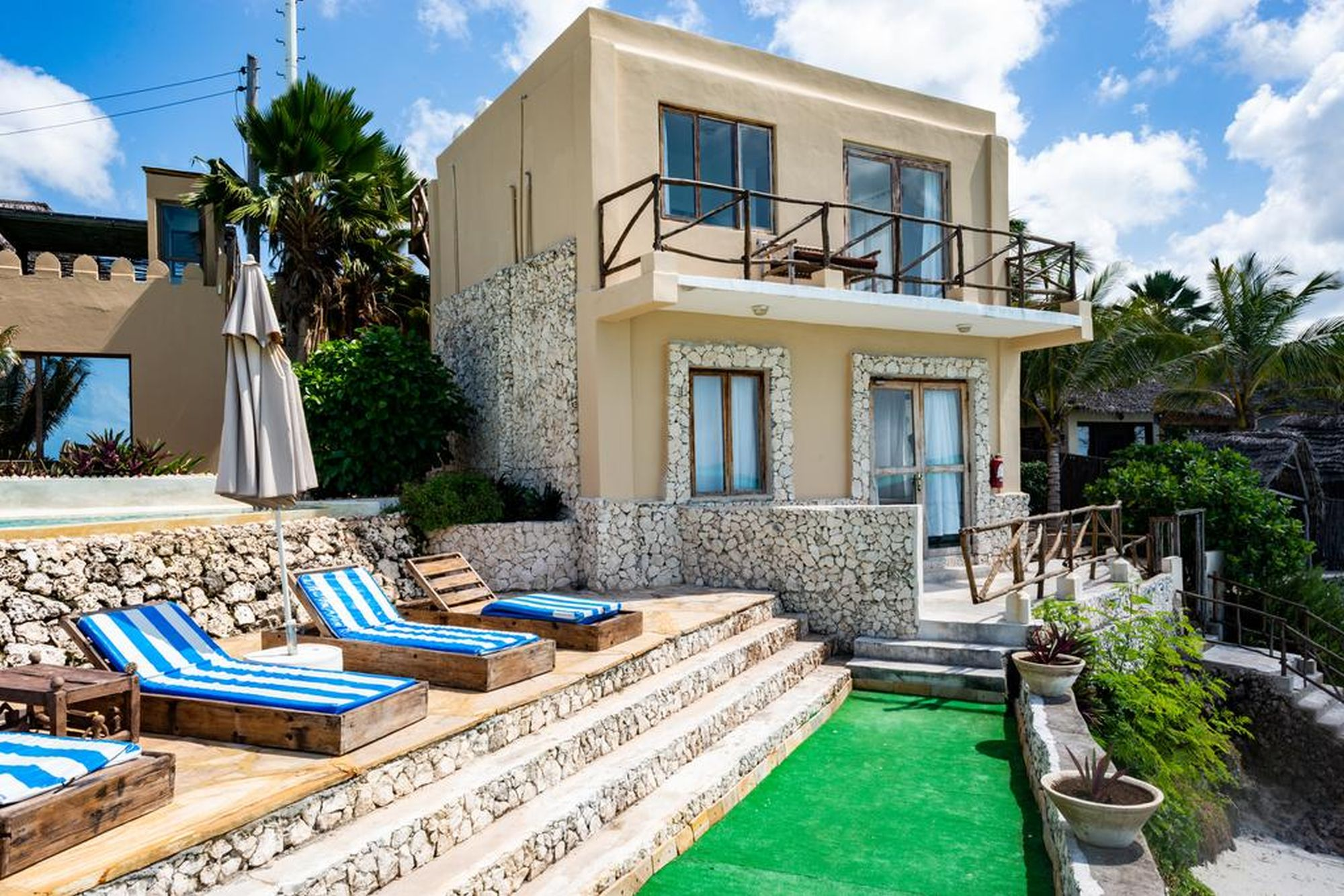 Coral Rock Beach Resort – Villa, 3 bedrooms with sea view