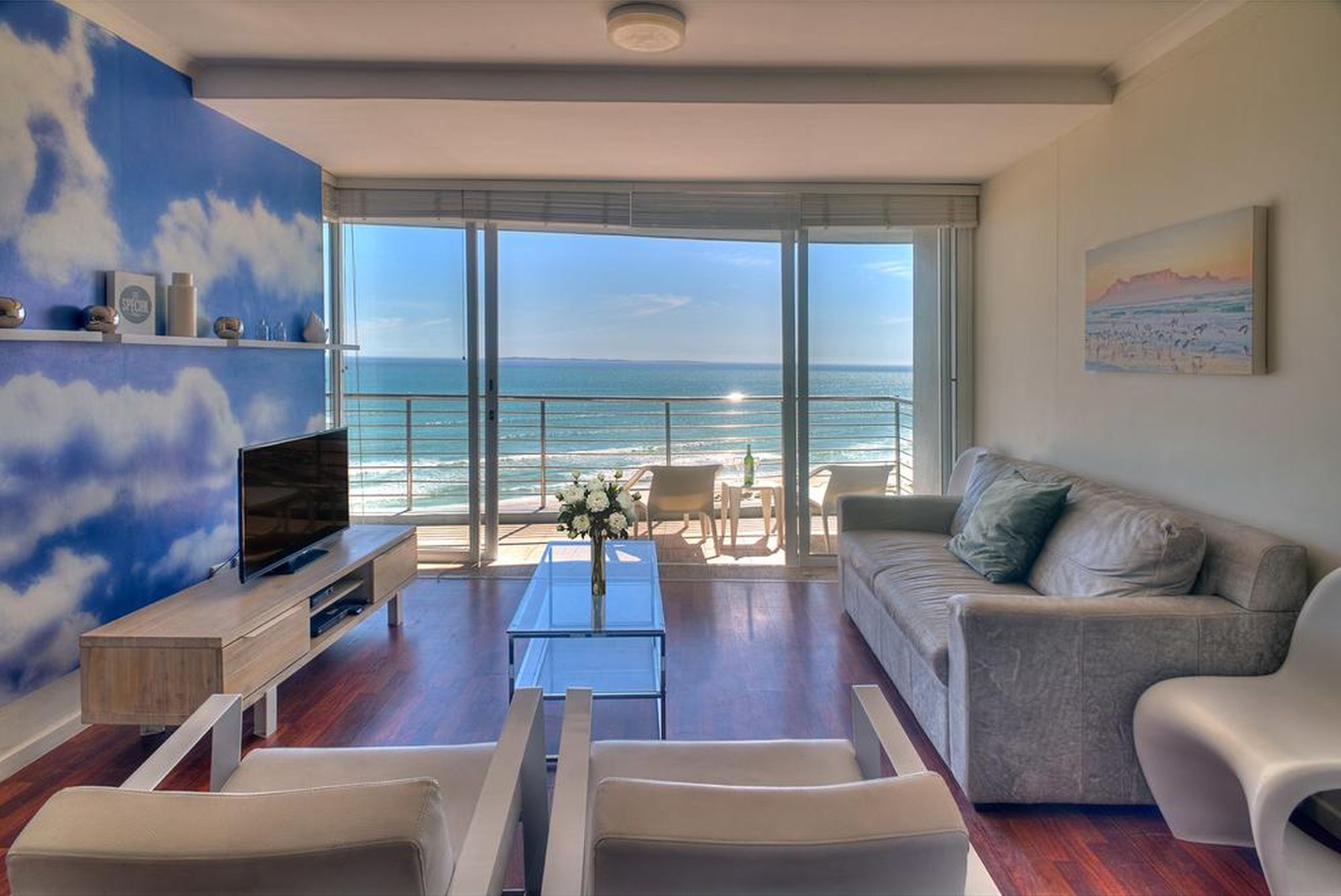Horizon Bay 702 is a stunning three-bedroom holiday apartment in Blouberg.